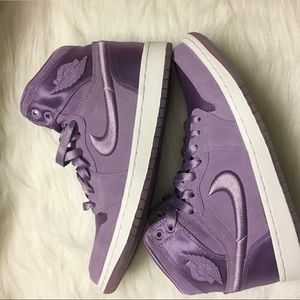 NWT Nike Air Jordan 1 💜season of her💜size 9